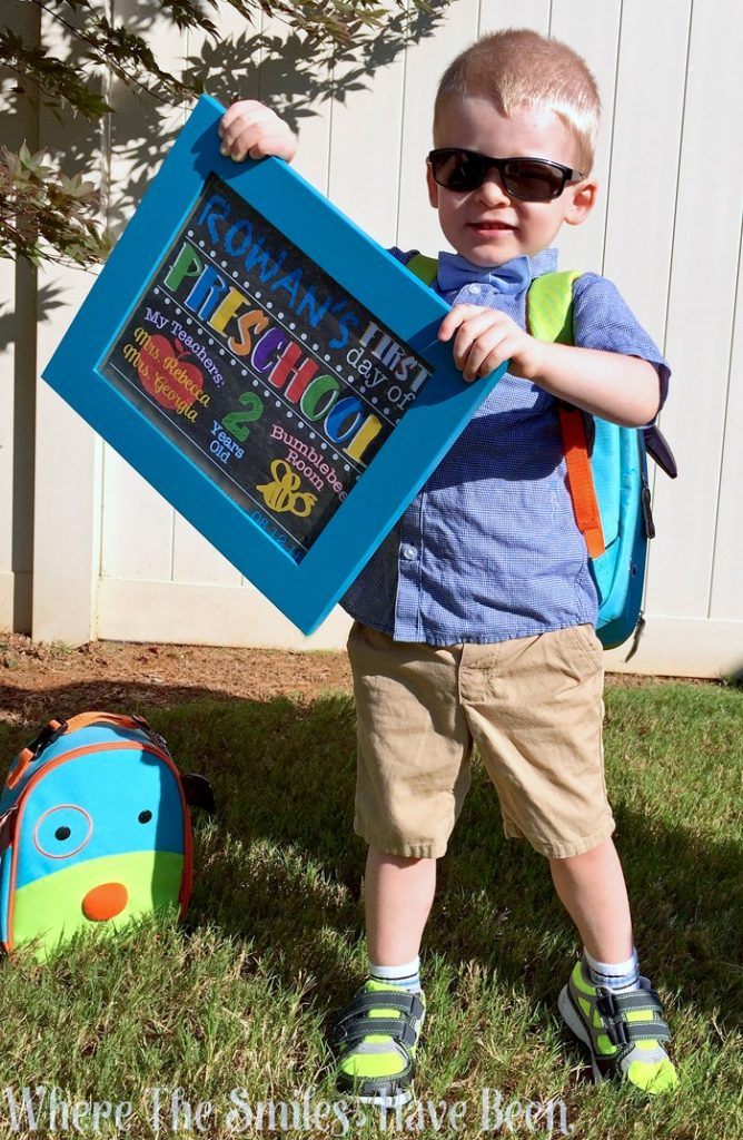 This Back to School Sign is so simple to make, and it makes the most adorable little prop for your back-to-school photo sessions!