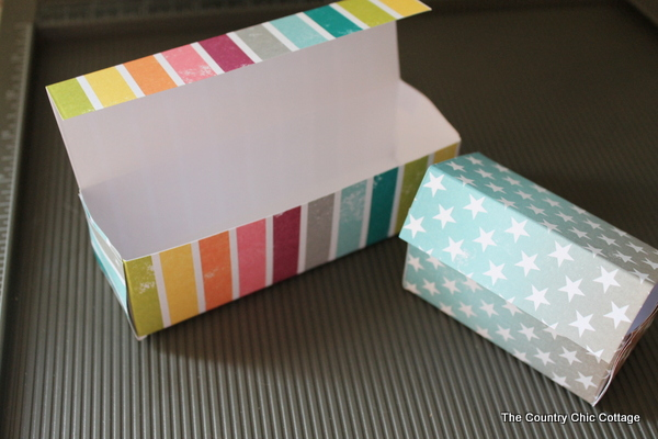 27 creative diy gift wrapping ideas its me jd cant find the perfect gift box for your present make your own any way you want it solutioingenieria Gallery