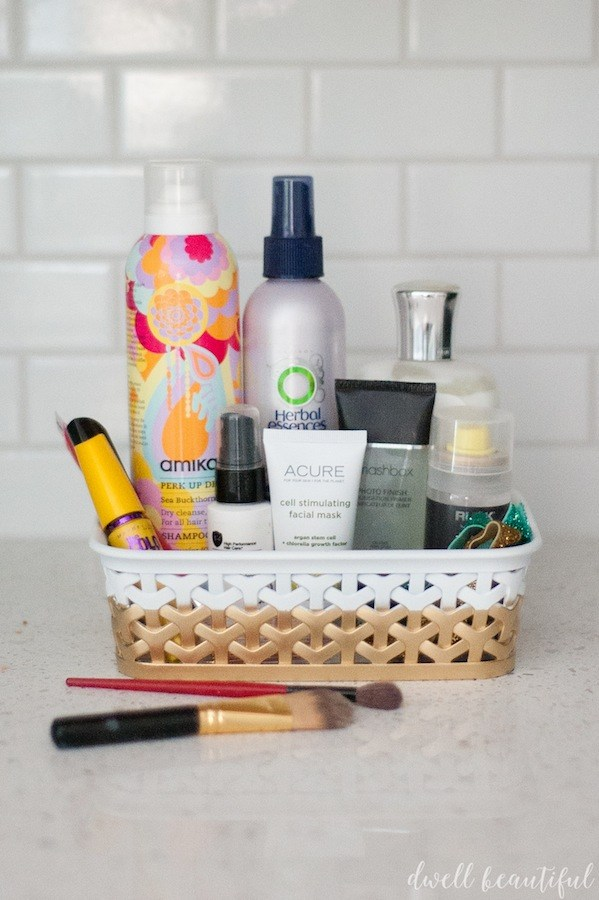 Make a pretty dip-dyed makeup organizer that is much prettier than a plain black basket!
