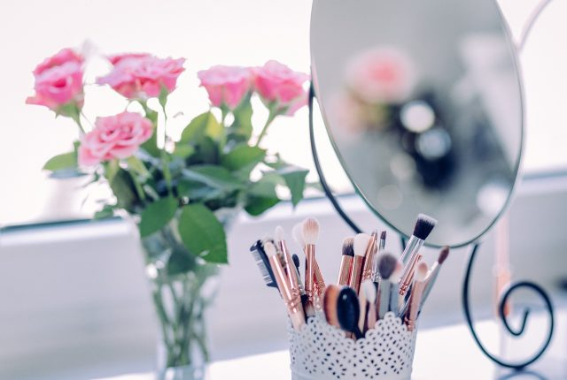 17 Fabulous DIY Makeup Organizer Ideas You'll Want To Try
