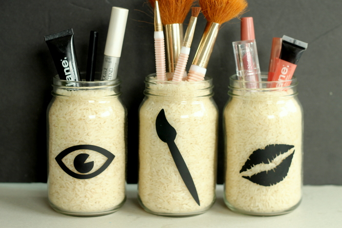 If you lack space, you can easily keep your makeup tidy right on your counter.