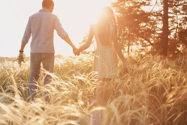 25 Best Wedding Anniversary Wishes, Quotes, & Messages For Your Awesome Husband