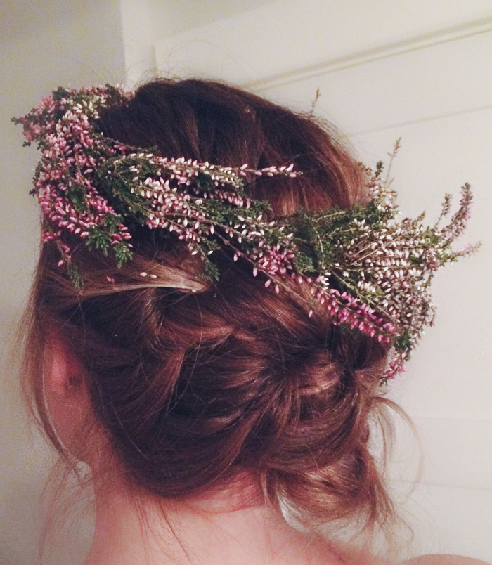 Such a quick and easy craft for parties.  Everyone loves a flower crown.