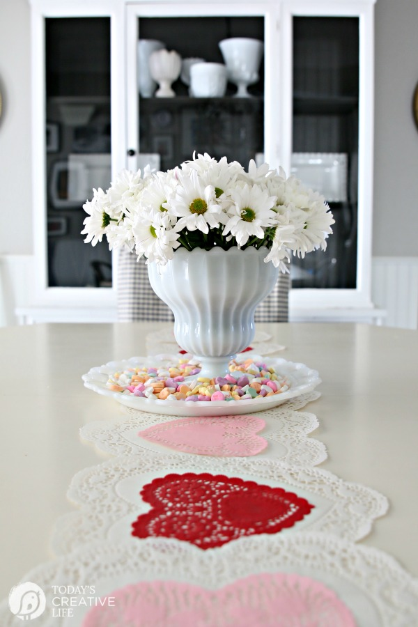 Quick and easy. How perfect! This10 minute Valentines Table Decoris something anyone can do and it looks festive and pretty!
