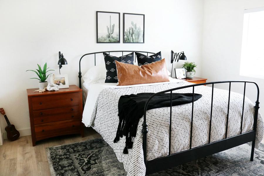 Black-White-Boho-Inspired-Bedroom-Decor - It\'s Me, JD